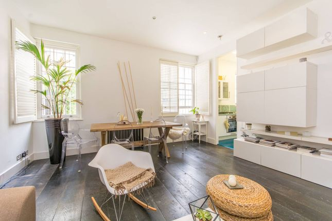 Thumbnail Flat to rent in New Oxford Street, Bloomsbury