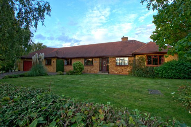 5 bed detached bungalow for sale in Duck End, Girton, Cambridge
