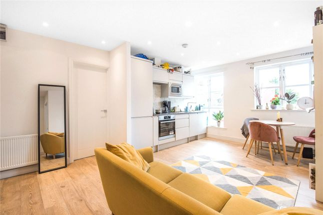 Thumbnail Flat to rent in Umfreville Road, Harringay, London