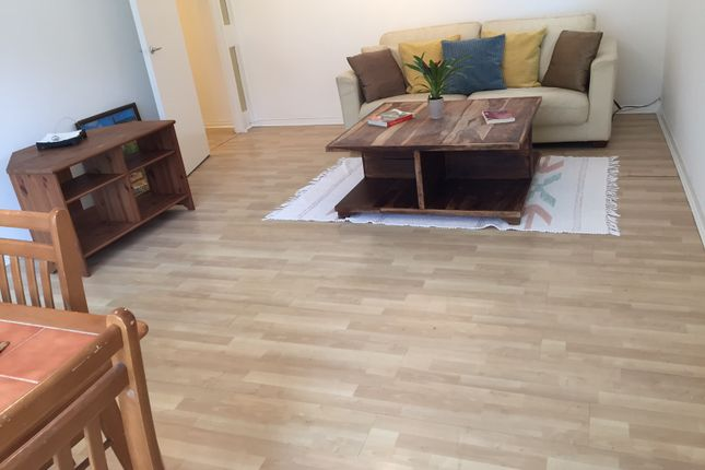 Thumbnail Flat to rent in Hadley Vale Court, Hadley Road, Barnet