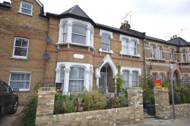 Thumbnail Flat to rent in Alexandra Park Road, London