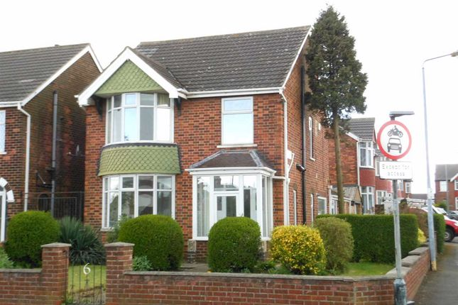 Thumbnail Detached house to rent in Exeter Road, Scunthorpe