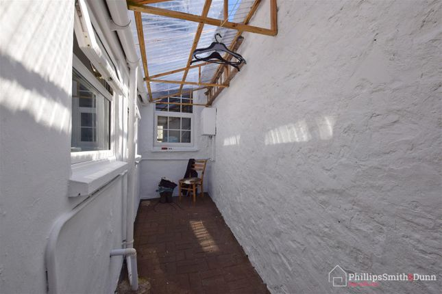 Courtyard Use of Connaught Place, Barnstaple EX32