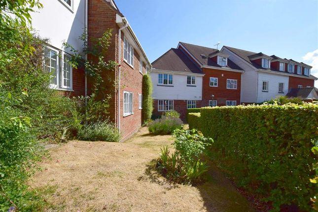 Thumbnail Flat for sale in Little Park, Durgates, Wadhurst, East Sussex