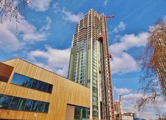 2 bed flat for sale in Elephant & Castle, London