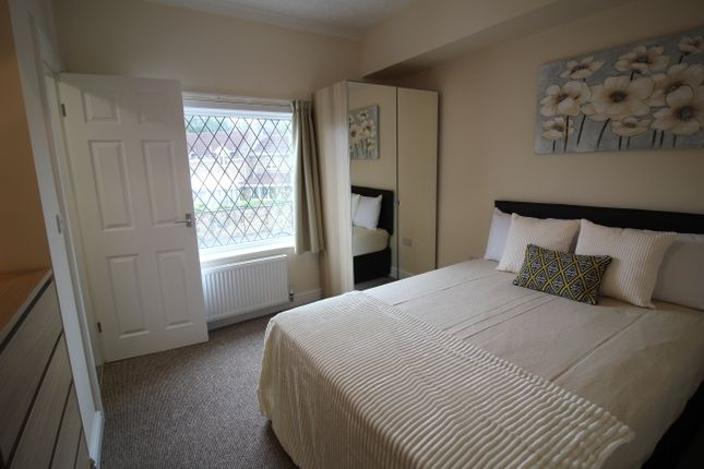 Thumbnail Shared accommodation to rent in Doncaster Road, South Elmsall