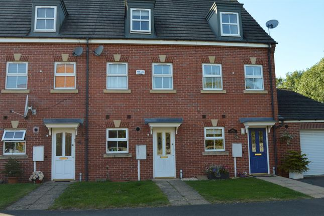 Thumbnail Town house to rent in Aqua Place, Rugby