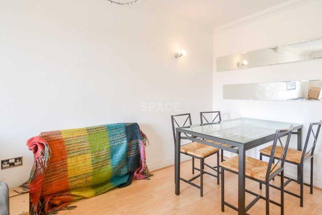 Thumbnail Flat to rent in Riverside House, Reading, Berkshire