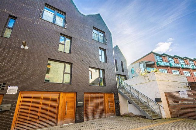 4 bed town house for sale in 15, Eagle Lane, Kelham Island S3