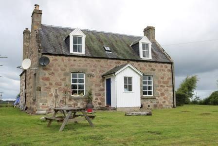 Thumbnail Farmhouse to rent in Littlemill, Nairn