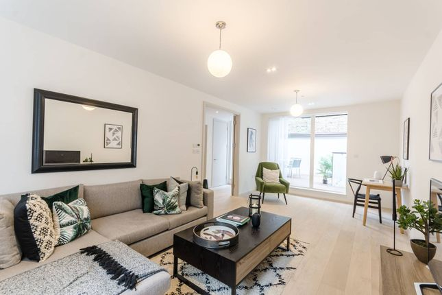 Thumbnail Property for sale in Clifford Terrace, Church Walk, Stoke Newington