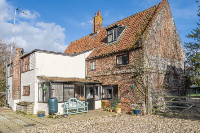 6 bed detached house for sale in The Street, Great Cressingham, Thetford IP25