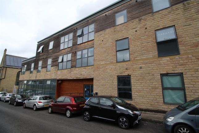 Flat for sale in Hallgate, Bradford