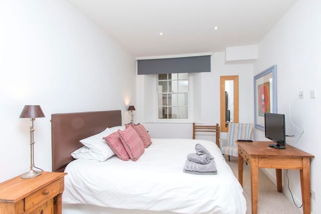 Thumbnail Flat to rent in Berkeley Square, Clifton, Bristol