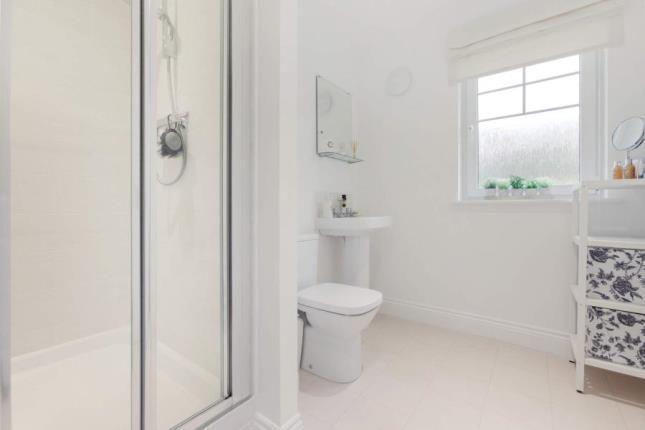 En-Suite of Scobbie Place, Redding, Falkirk FK2