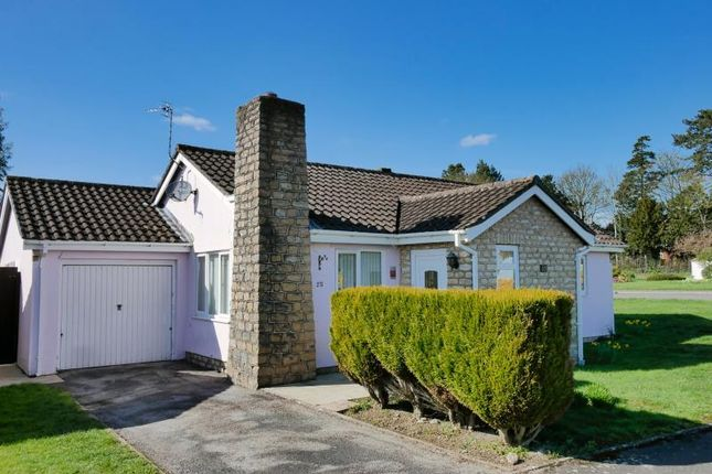 Thumbnail Bungalow to rent in Sarum Way, Calne