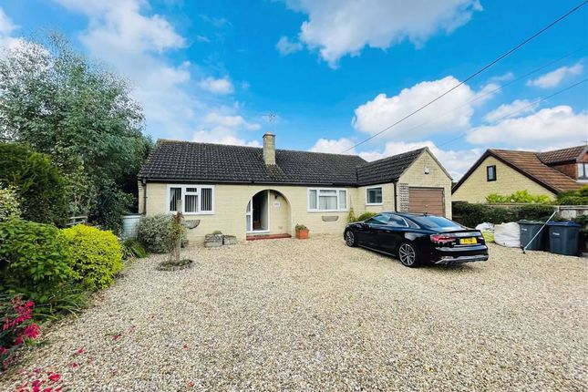 3 bed detached bungalow for sale in Shaw Hill, Shaw, Melksham SN12