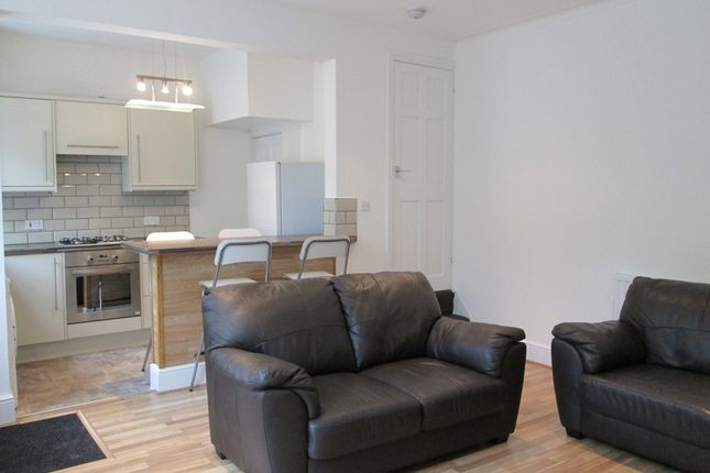 Thumbnail Property to rent in Salisbury Grove, Armley, Leeds