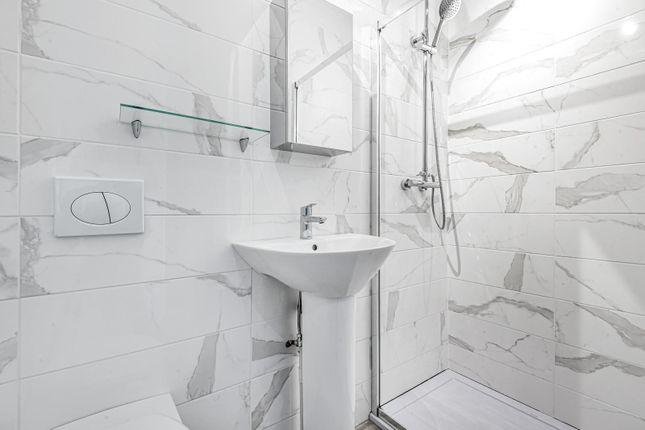 Upstairs Shower of Claremont Mews, Claremont Road, West Byfleet KT14