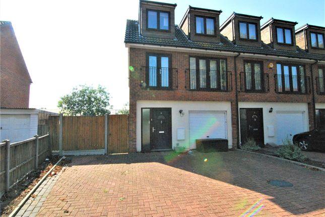 Picture No. 09 of Camborne Terrace, Camborne Avenue, Harold Hill, Romford RM3