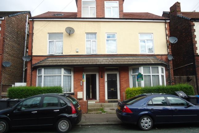 Thumbnail Flat to rent in Moss Bank, Crumpsall, Manchester