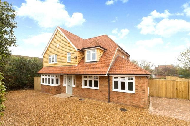 Thumbnail Detached house for sale in Clappsgate Road, Pamber Heath, Tadley