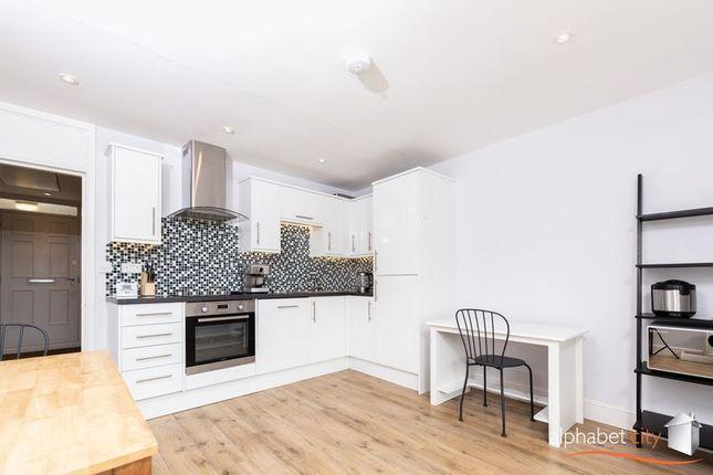 Thumbnail Flat to rent in Kildare Walk, London