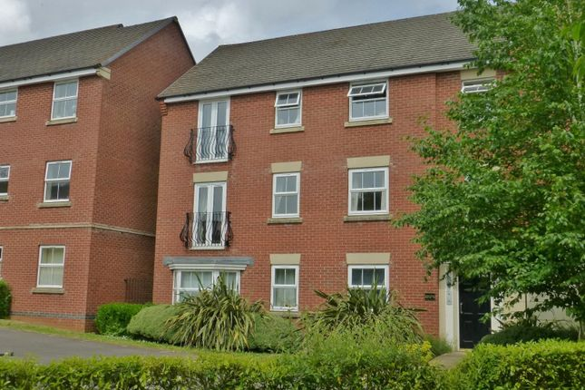 2 bed flat for sale in Linnet Court, Uppingham, Oakham LE15
