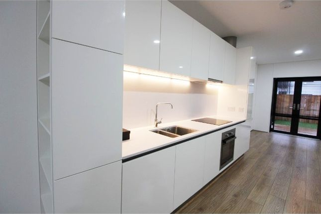 Thumbnail Town house to rent in Irwell Riverside, Springfield Lane, Manchester