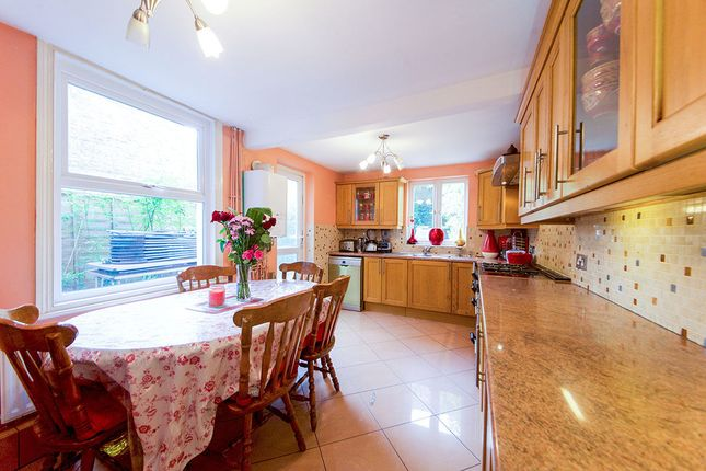Thumbnail Terraced house for sale in Sach Road, London