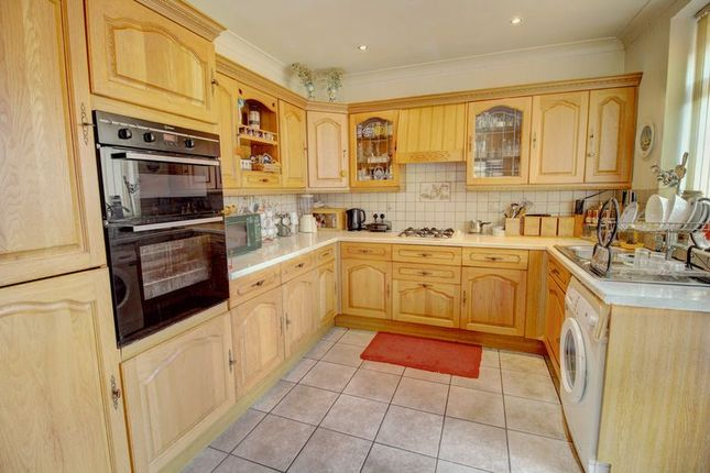 Kitchen of Buckley Street, Chadderton, Oldham OL9