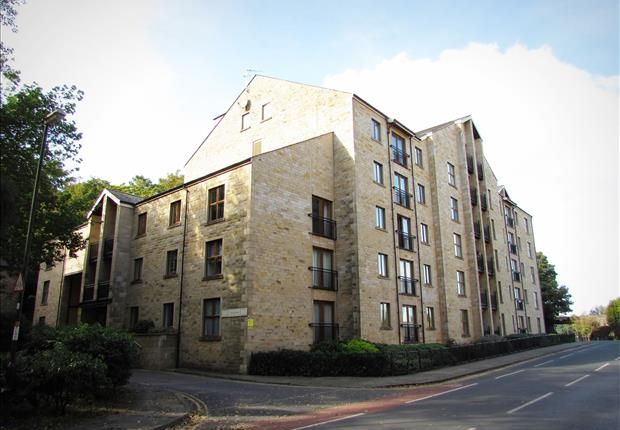 2 bed property to rent in Lune Square, Lancaster LA1