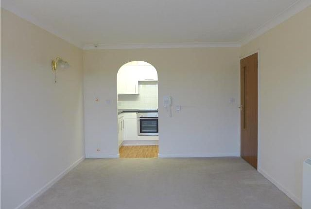 Thumbnail Flat to rent in Homelace House, King Street, Honiton, Devon