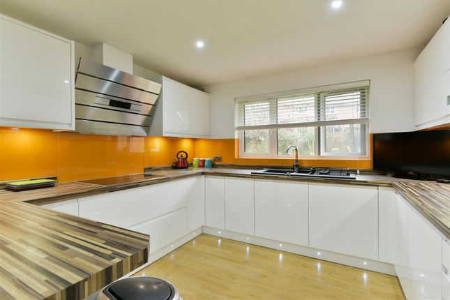 Thumbnail Detached house for sale in Warenne Heights, Cronks Hill Road, Redhill