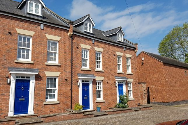 Thumbnail Town house to rent in Second Wood Street, Nantwich
