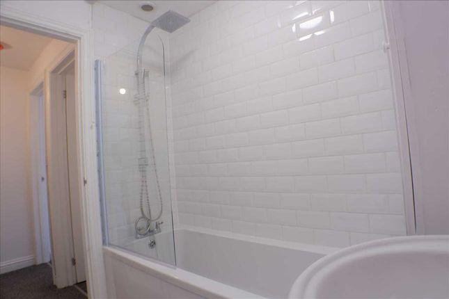 Bathroom of Trealaw Road, Trealaw, Tonypandy CF40