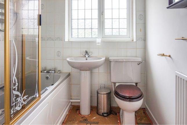 Bathroom of Badger Close, Rochdale OL16