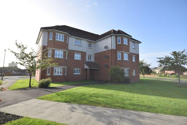 2 bed flat to rent in Cairnwell Gardens, Motherwell