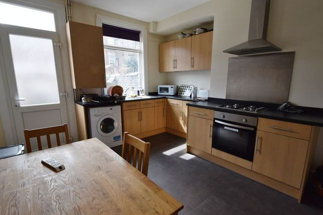 Thumbnail Room to rent in Commercial Street, Barnsley