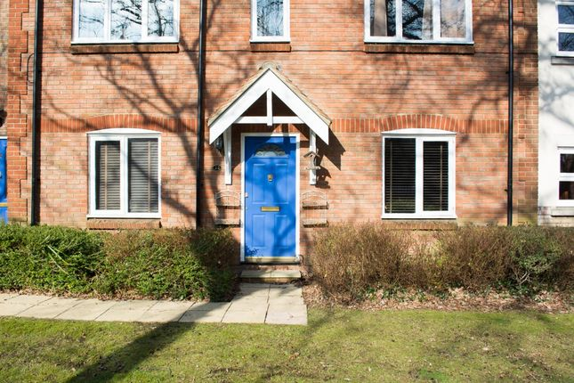 Thumbnail Flat for sale in Handleys Court, Basildon, Essex