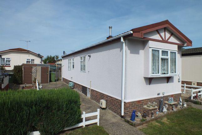 Seasalter Road Graveney Faversham Me13 2 Bedroom Mobile Park Home For Sale 44944819