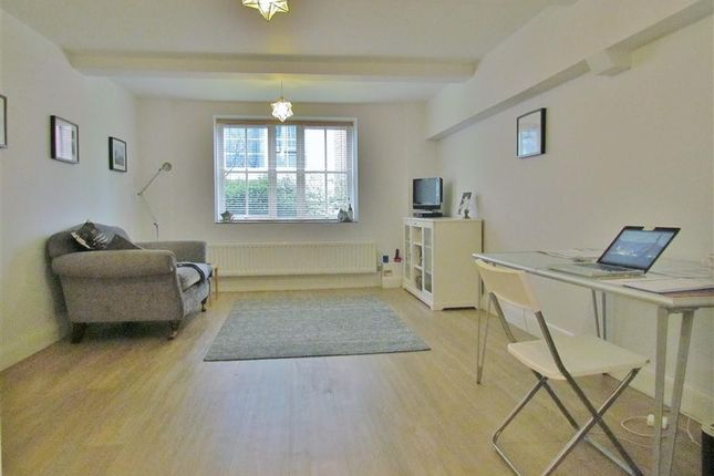 Thumbnail Flat to rent in George Morland House, Cooper's Lane, Abingdon