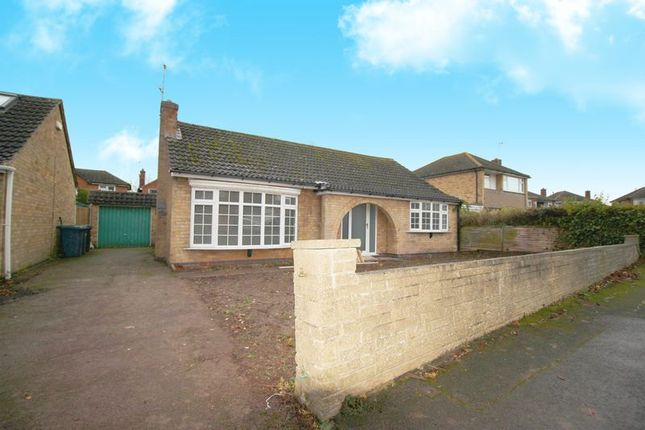 Thumbnail Bungalow to rent in Roulstone Crescent, East Leake, Loughborough