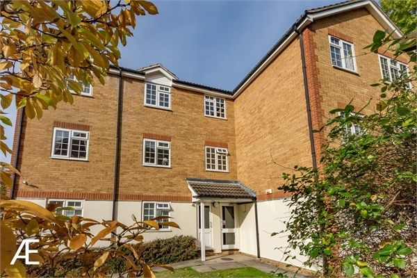 Thumbnail Flat to rent in Hanson Close, Beckenham, Kent