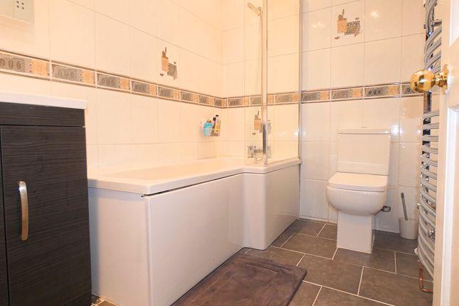 Bathroom of Ryhope Road, London N11