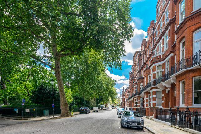 Thumbnail Studio to rent in Egerton Gardens, London