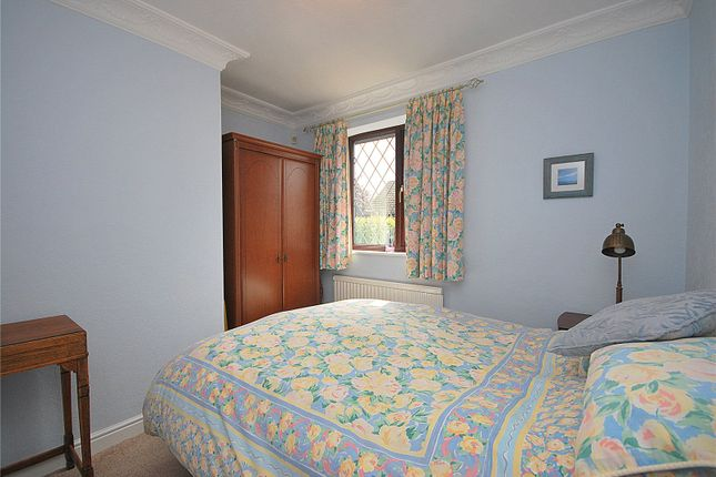 Picture No. 21 of Lady Heton Close, Mirfield, West Yorkshire WF14