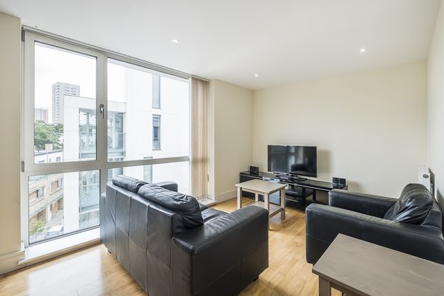 Thumbnail 2 bed flat to rent in Liberty Street, London