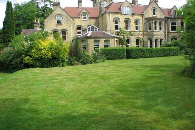 Thumbnail Flat to rent in Edenhurst, Oakhill Road, Sevenoaks