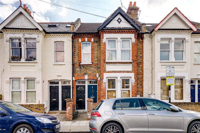 Maisonette for sale in Lydden Grove, London
